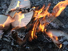 The_House_of_Leaves_-_Burning_4